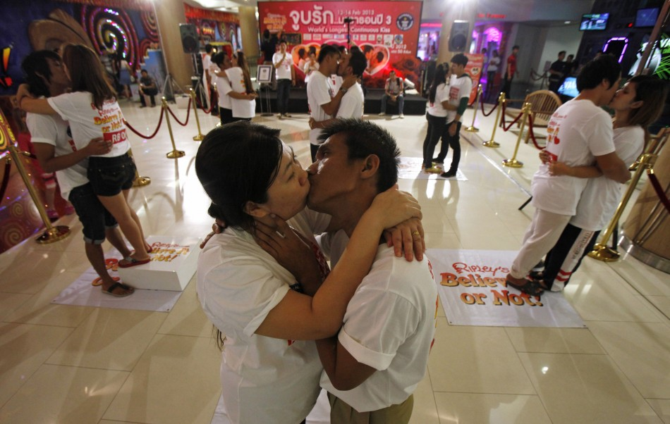 Worlds Longest Kiss Contest Thailand