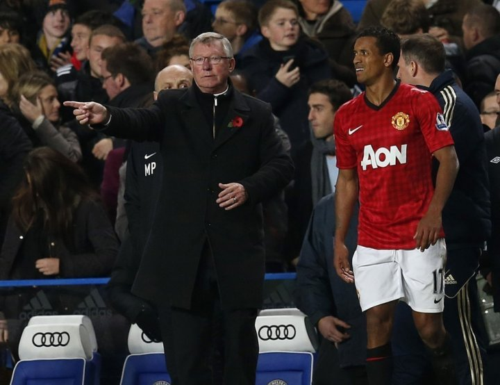 Sir Alex Ferguson (R) and Nani