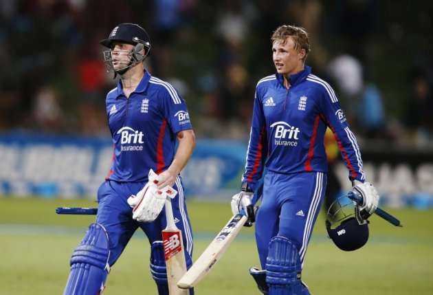 Joe Root (L) and Jonathan Trott