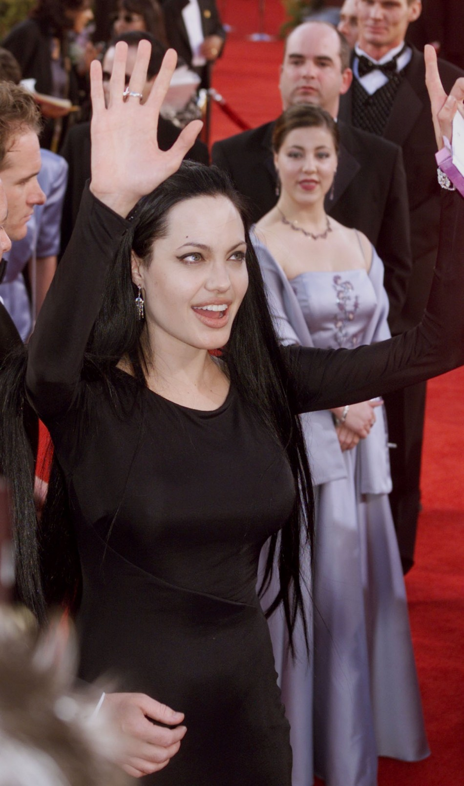 Actress Angelina Jolie waves to the crowd as she arrives at the 72nd Annual Academy Awards at the Shrine Auditorium in Los Angeles, March 26.