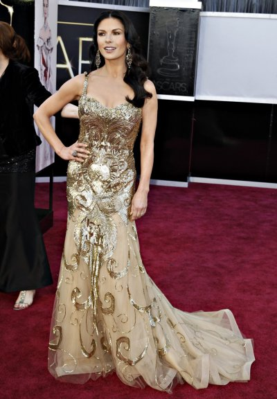 Actress Catherine Zeta-Jones wearing a Zuhair Murad gown and Lorraine Schwartz jewels, arrives at the 85th Academy Awards in Hollywood, California February 24, 2013.