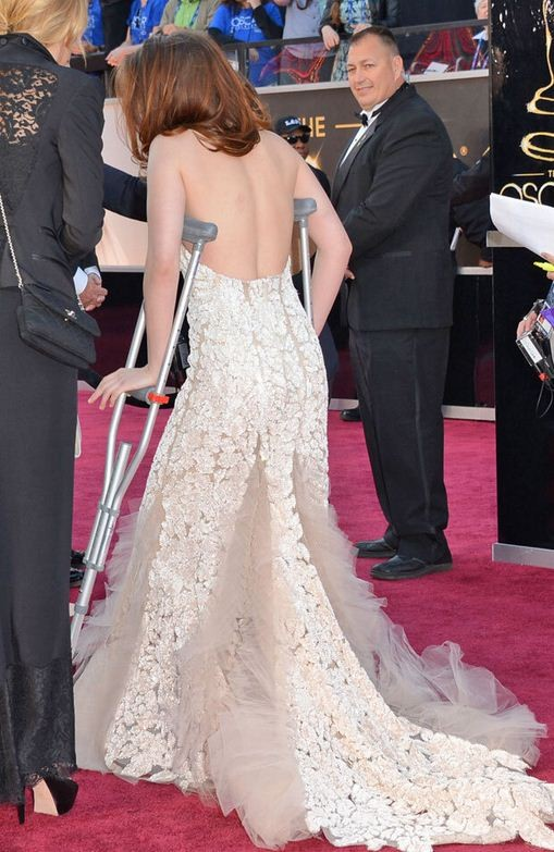 Kristen Stewart: Oscars 2013 Red Carpet on Crutches