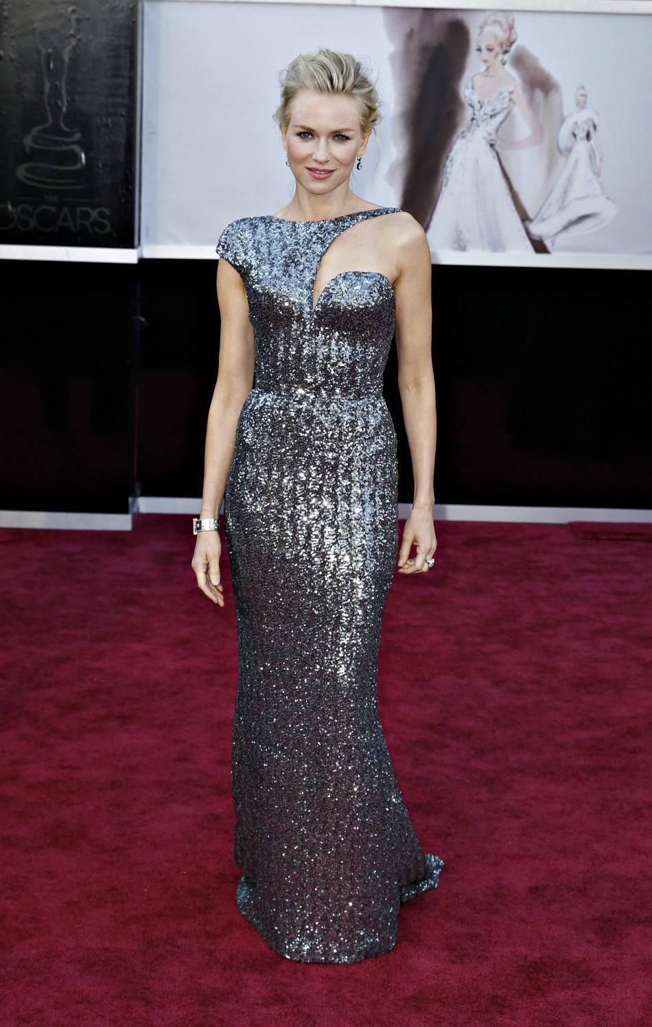 Oscars 2013 Live: Jennifer Lawrence, Amanda Seyfried ...