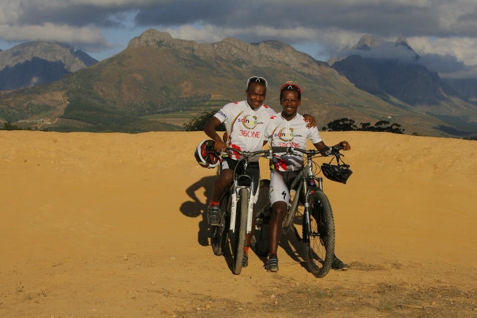 Songo Fipaza (left)