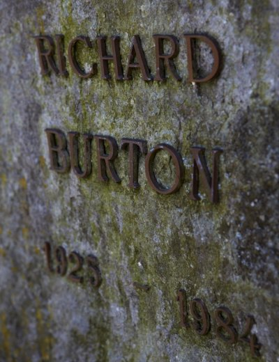 Richard Burtons Grave