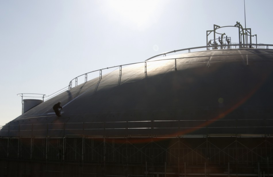 Japan extracts gas from methane hydrates