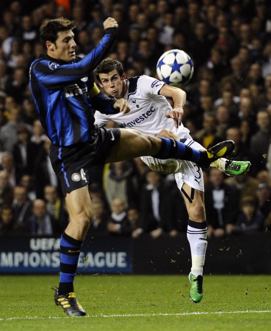 Javier Zanetti (L) and Gareth Bale