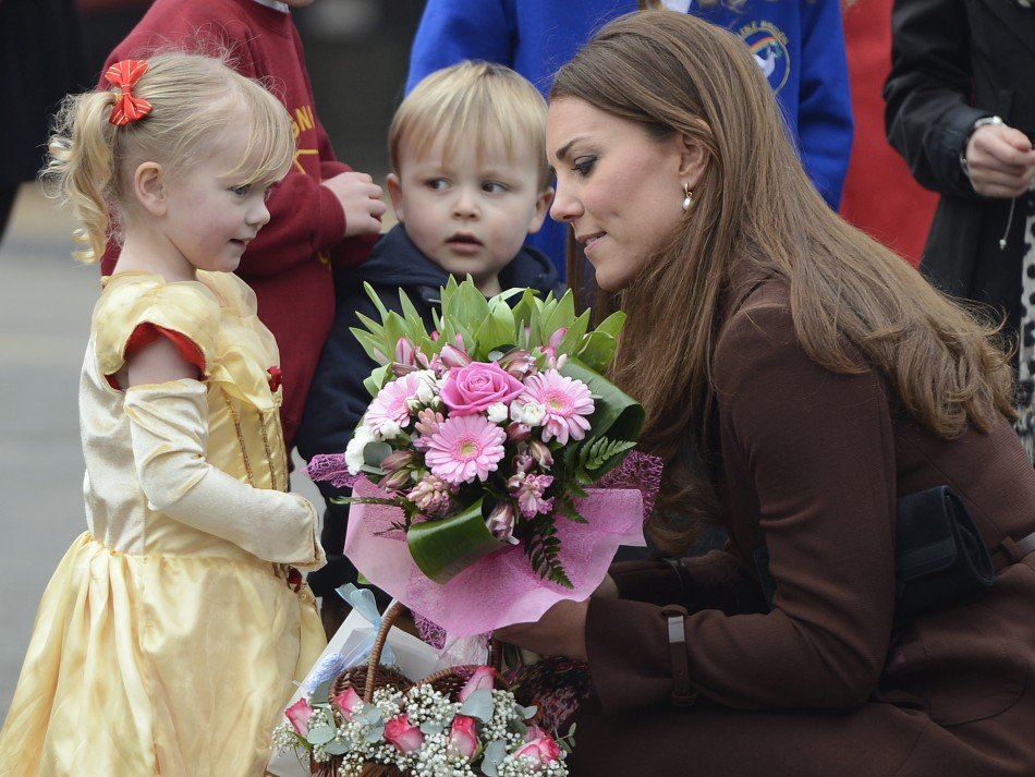 Children meet the Duchess