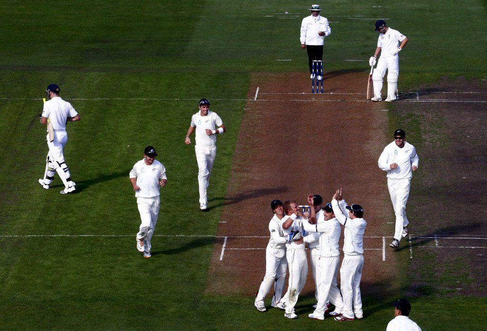 New Zealand Celebrate Kevin Pietersen's Dismisal