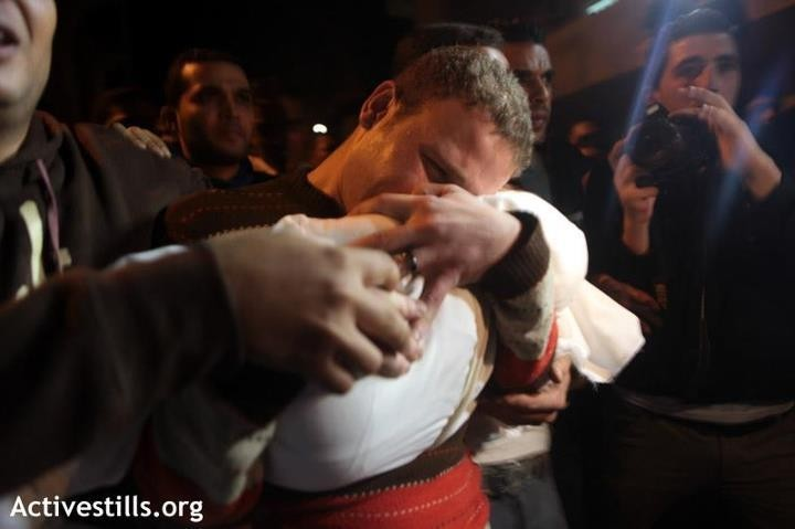 BBC journalist mourns death of his 11 months old son Omar killed  (ActiveStills.org)