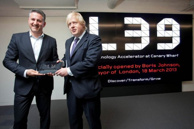 Eric van der Kleij and Mayor of London Boris Johnson