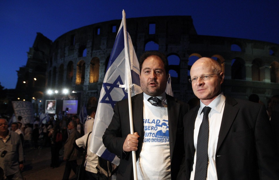 Noam Shalit (R), father of Israeli soldier Gilad Shalit, poses with the President of the Jewish Community of Rome Riccardo Pacific
