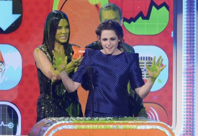 Kristen Stewart at the 2013 Kids Choice Awards