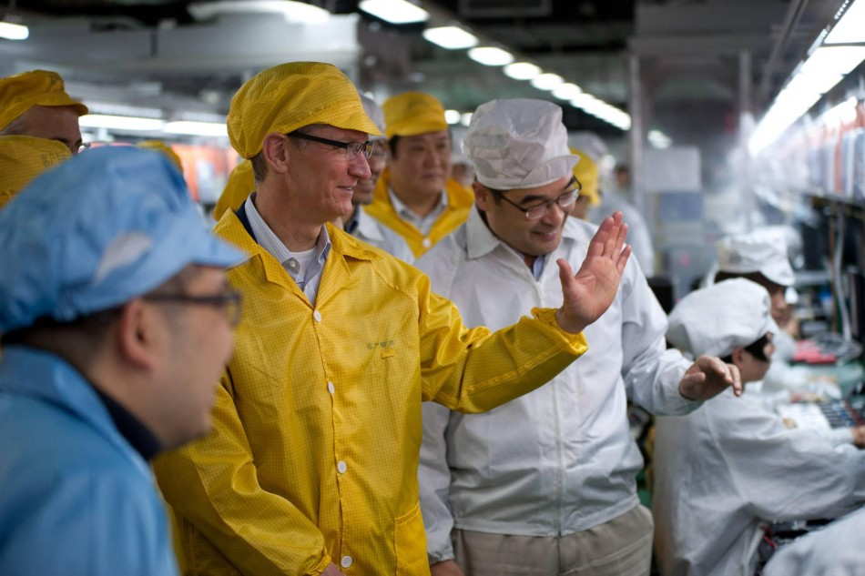 Tim Cook, Apple CEO Apologies to China