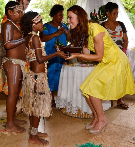 Royal Summer: Kate Middleton Summer-Inspired Fashion, Dresses and Looks [PHOTOS]