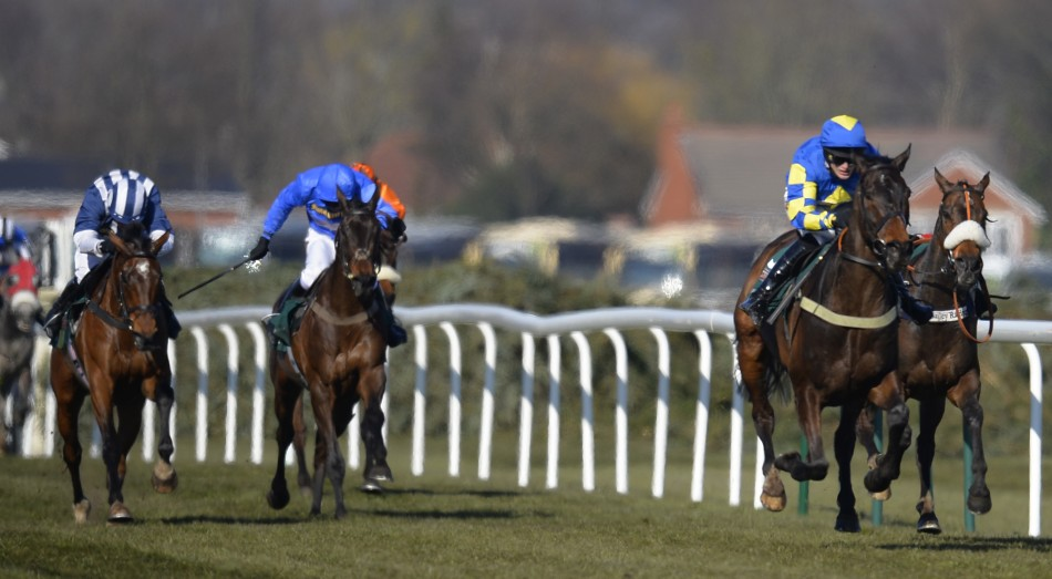 Aurora's Encore wins Grand National