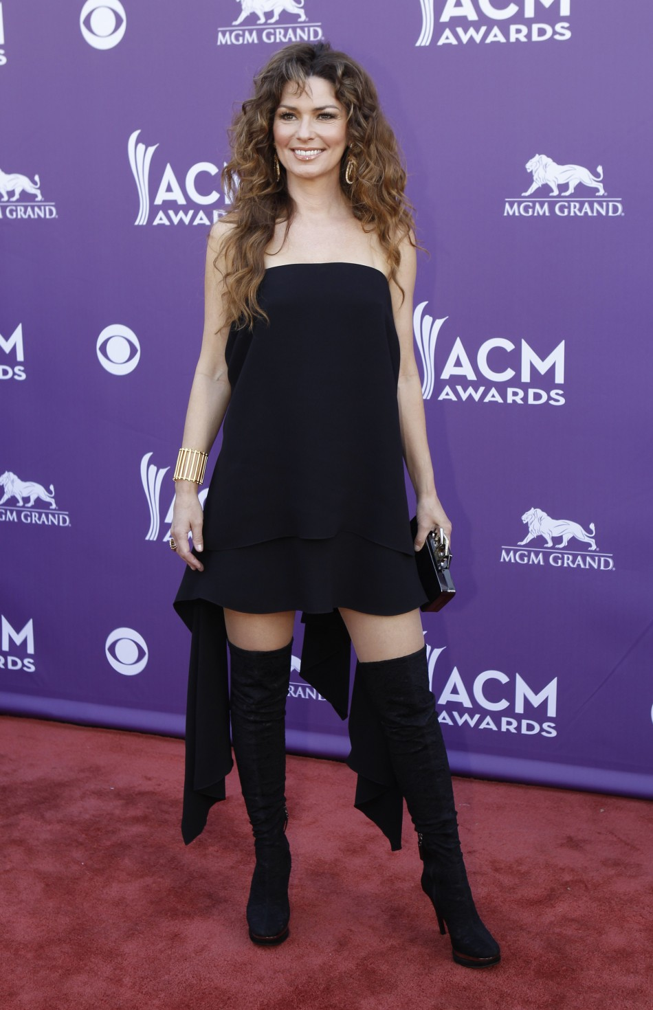 Singer Shania Twain arrives at the 48th ACM Awards in Las Vegas, April 7, 2013.