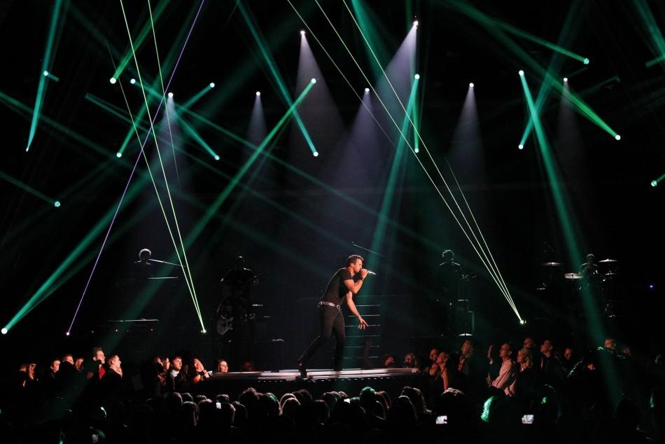 Singer Luke Bryan performs Crash My Party during the 48th ACM Awards in Las Vegas April 7, 2013.