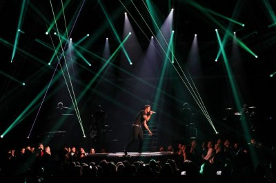 Singer Luke Bryan performs Crash My Party during the 48th ACM Awards in Las Vegas April 7, 2013.