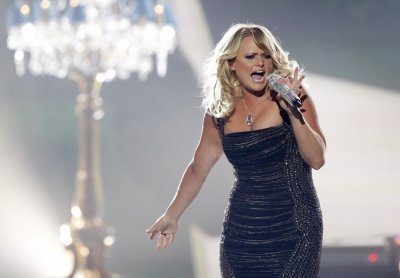 Miranda Lambert performs Mamas Broken Heart during the 48th ACM Awards in Las Vegas April 7, 2013.