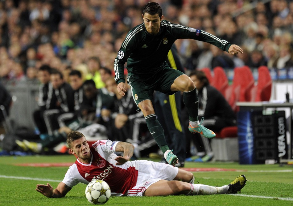 Toby Alderweireld battles Cristiano Ronaldo