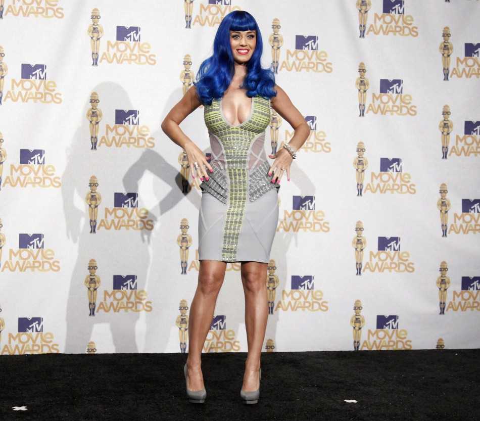 Katy Perry poses backstage at the 2010 MTV Movie Awards in Los Angeles June 6, 2010.