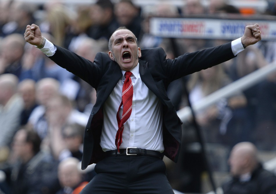 Paolo Di Canio celebrate goal at St James' Park