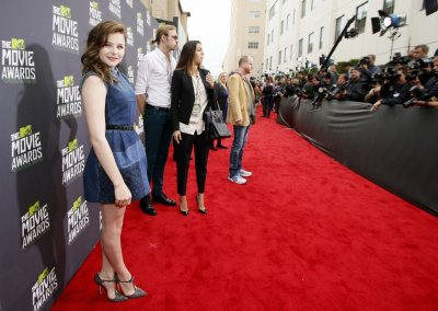 Actress Chloe Grace Moretz L arrives at the 2013 MTV Movie Awards in Culver City, California April 14, 2013