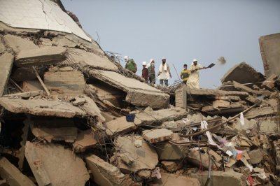 Bangladesh Factory Building Collapse Photos