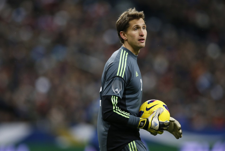 Arsenal Snubbed by Bundesliga Club\'s Goalkeeper