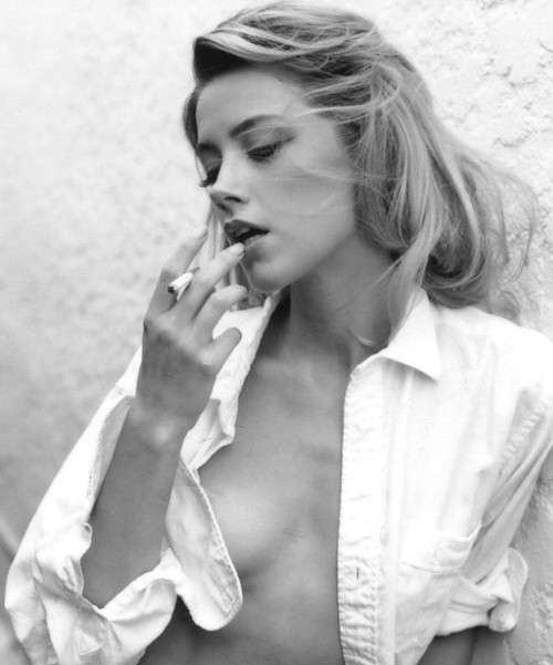 She Makes Depp Go Crazy: Hottest Amber Heard Photos