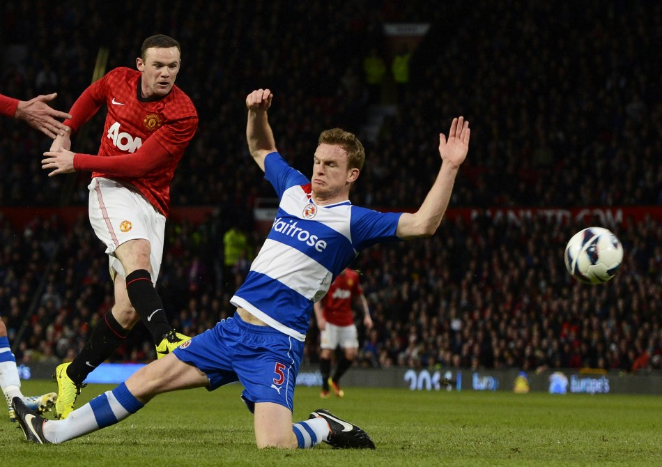 Wayne Rooney (L) and Alex Pearce