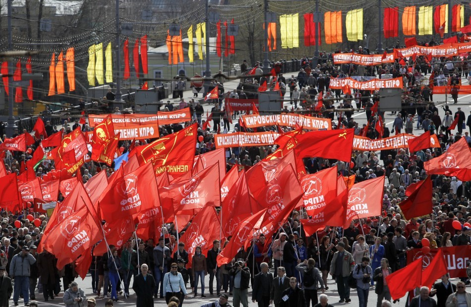 Protestors take to the streets in Moscow to in anti-Putin demonstration