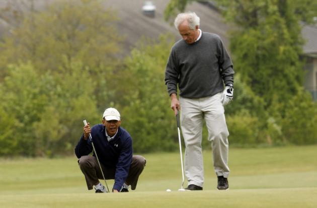 Obama approaches shot as Sen Bob Corker