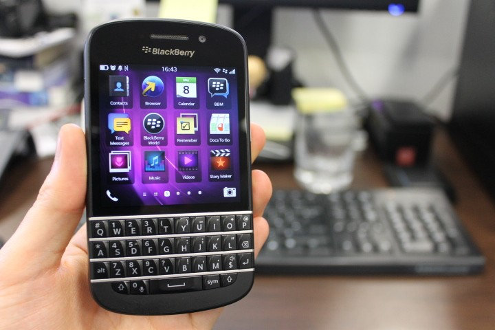 BlackBerry Q10 Review - The Return of the Qwerty Keyboard [VIDEO]