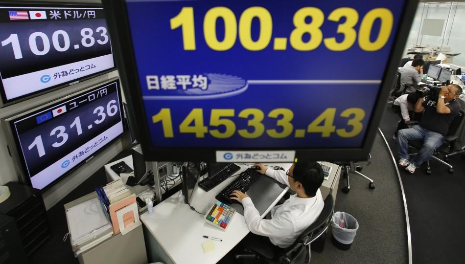 Dollar breaks 100 yen mark