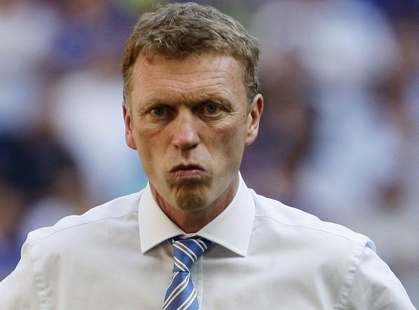 Moyes target of Twitter trolls for Manchester Utd switch