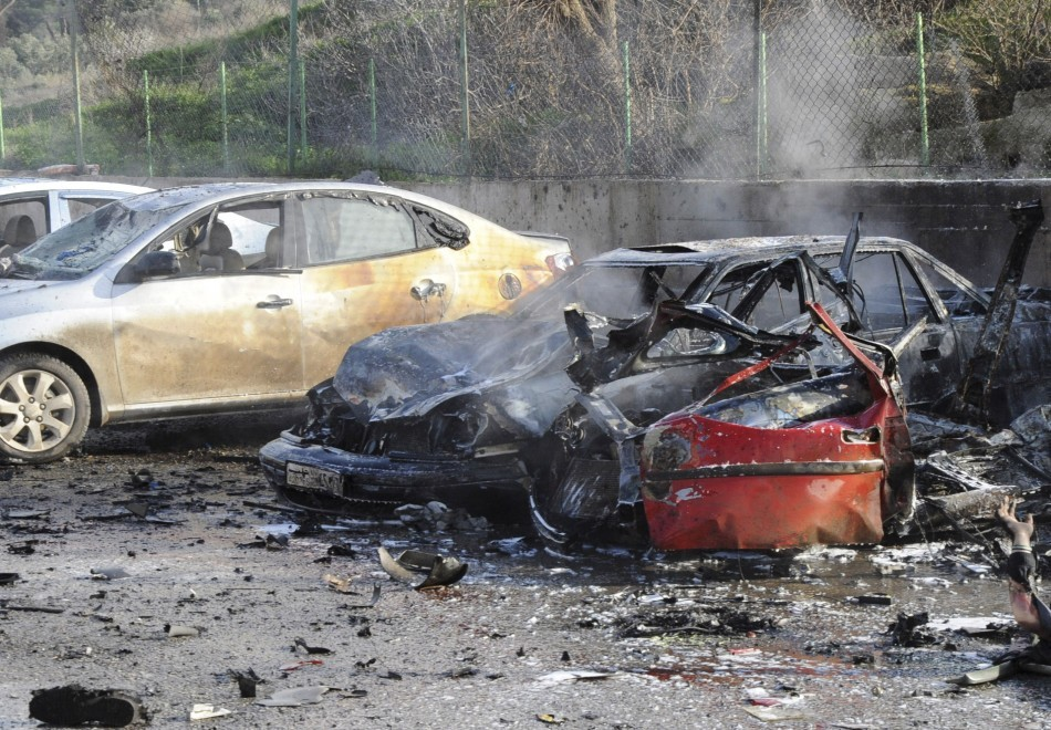 Car bomb blasts have killed at least 40 people in Reyhanli, on Turkey's border with Syria