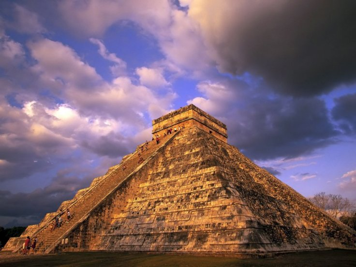 The Lost City of the Monkey God in Honduras is said to have dozens of pyramids, similar those built by the Mayans. (outravel.blogspot.com)