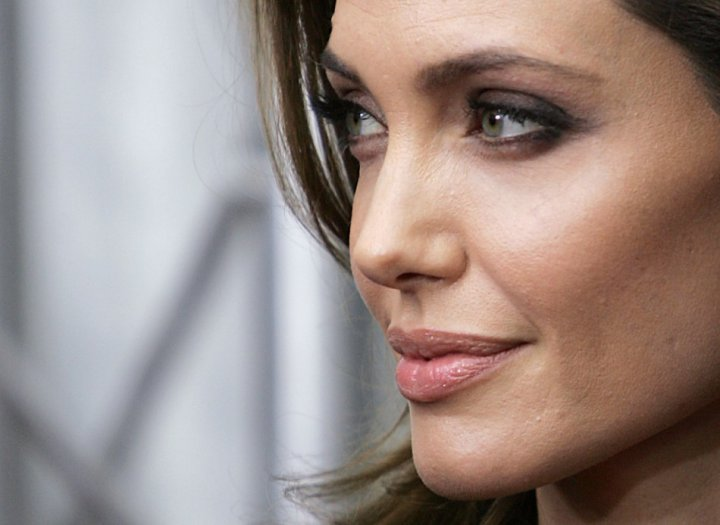 Angelina Jolie Topless Sells for £30K: Double Mastectomy Fails to ...