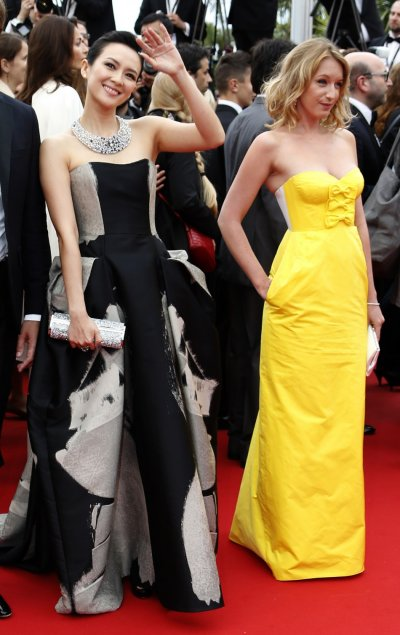 Jury members of Film selection Un Certain Regard Zhang Ziyi L and Ludivine Sagnier pose on the red carpet as they arrive for the screening of the film Jeune  Jolie Young  Beautiful in competition during the 66th Cannes Film F