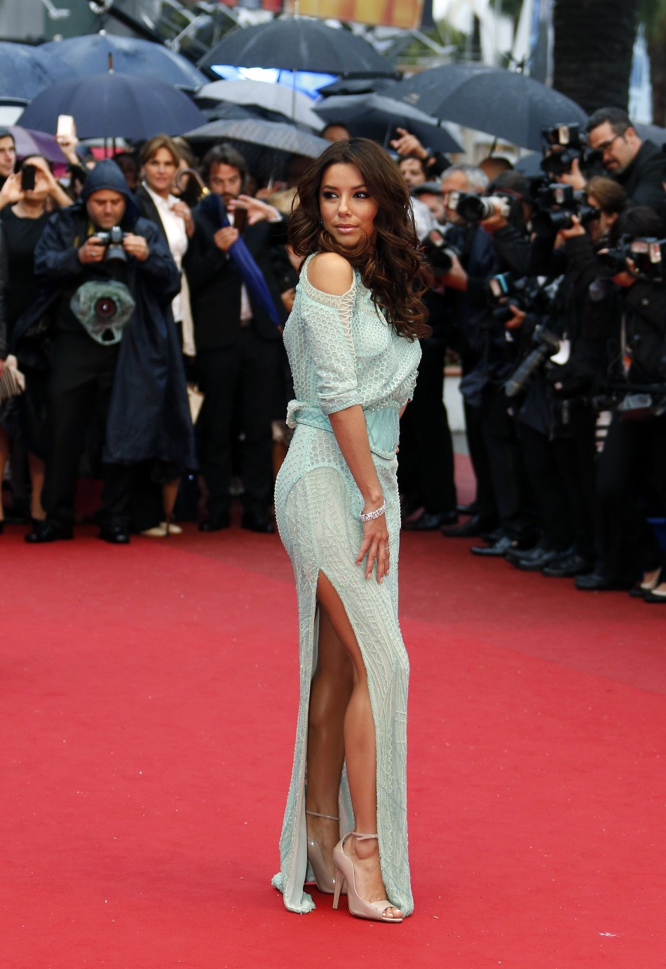 Actress Eva Longoria poses on the red carpet as she arrives for the screening of the film Jimmy P. Psychotherapy of a Plains Indian in competition at the 66th Cannes Film Festival in Cannes May 18, 2013.