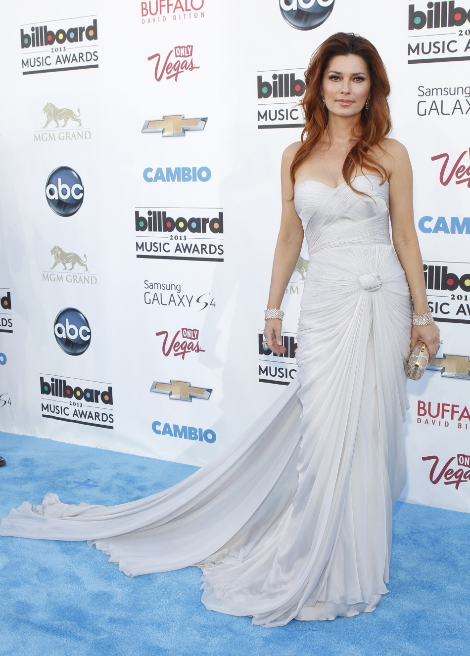 Canadian country singer Shania Twain arrives at the Billboard Music Awards in Las Vegas, Nevada May 19, 2013.
