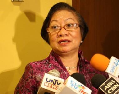 Philippines labour and employment secretary Rosalina Dimapilis-Baldoz