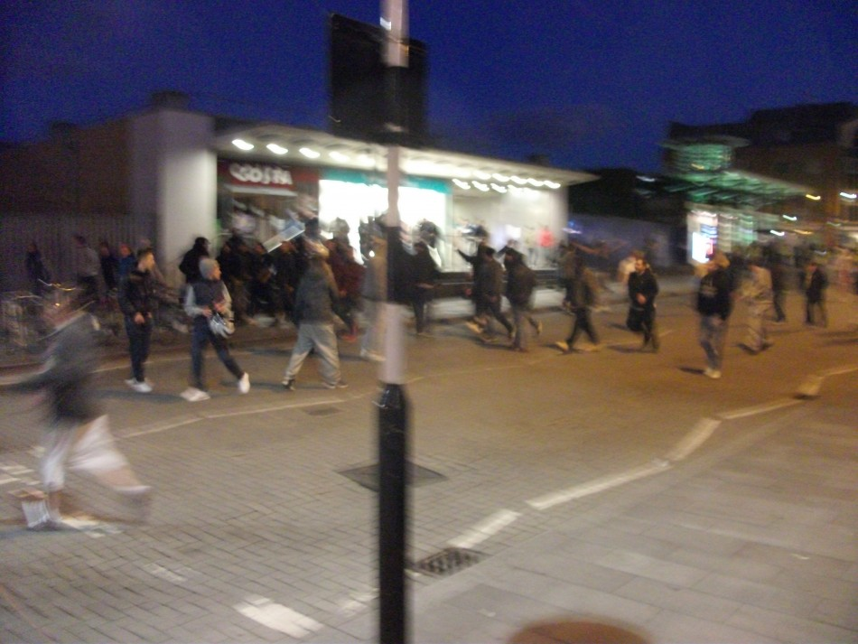 EDL supporters flee riot police
