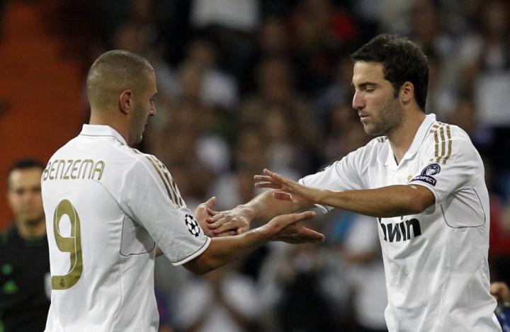 Gonzalo Higuain (R) and Karim Benzema