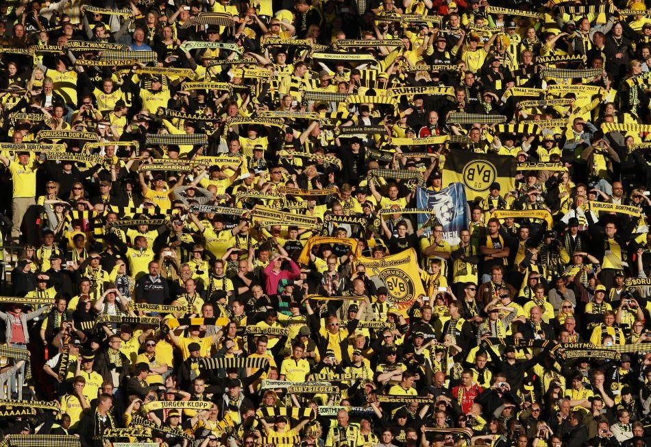 in focus dortmund and bayern fans show passion from start to finish of champions league final. Black Bedroom Furniture Sets. Home Design Ideas