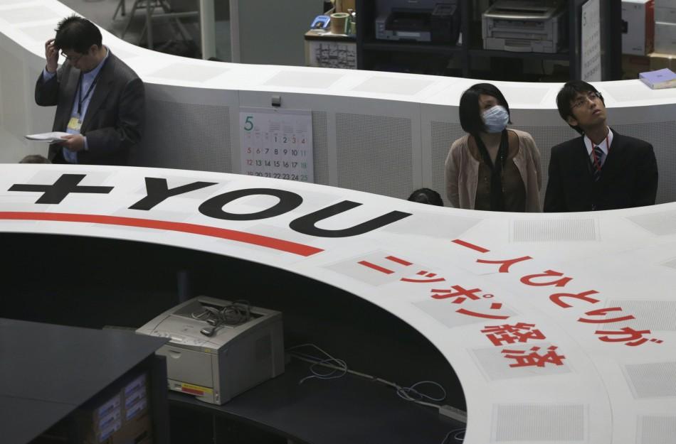 Japanese stocks overcome volatility