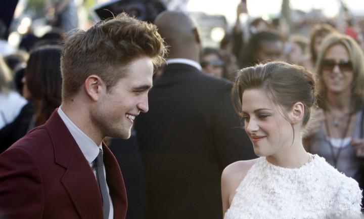 Robert Pattinson Splits with Kristen Stewart
