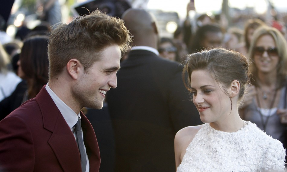Robert Pattinson Splits with Kristen Stewart